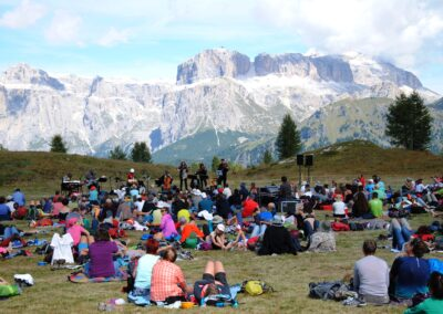 Open air concert in the Dolomites