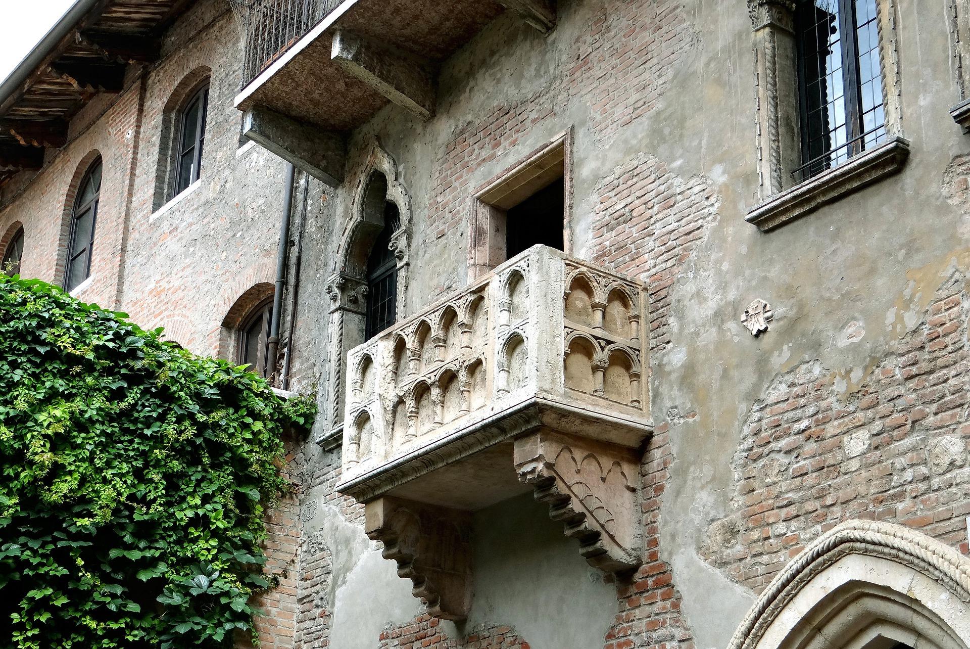 The famous Romeo & Juliet balcony